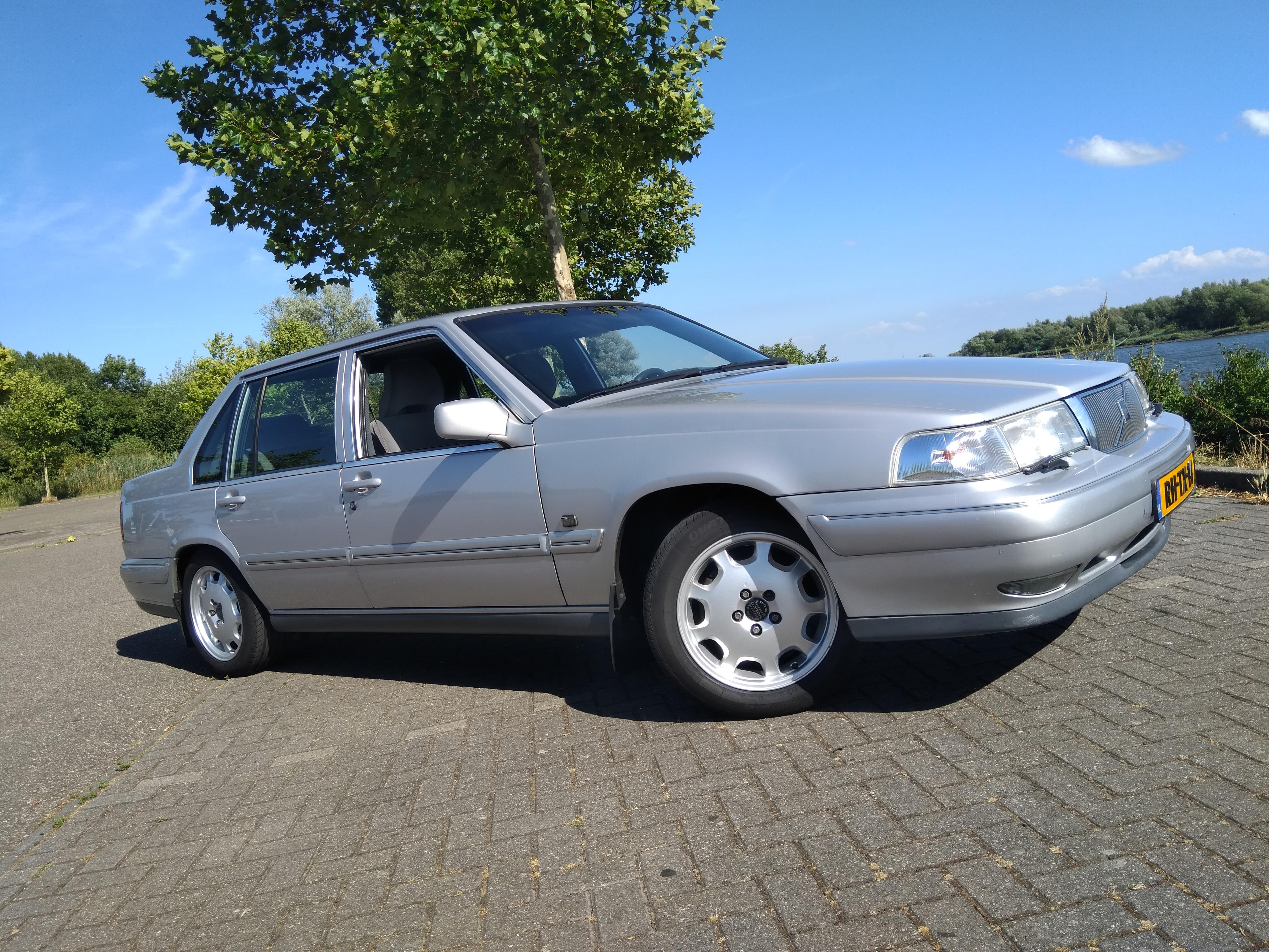 1997 S90